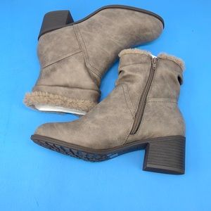 Style & Co Penelopy Cold Weather Boots Size 9.5
